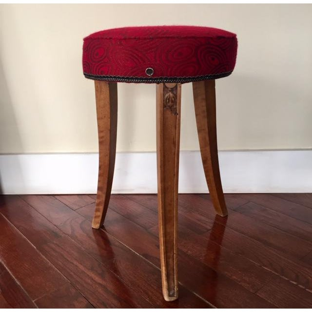 Early 20th Century French Art Deco Wood and Red Fabric Round Stool For Sale - Image 10 of 10