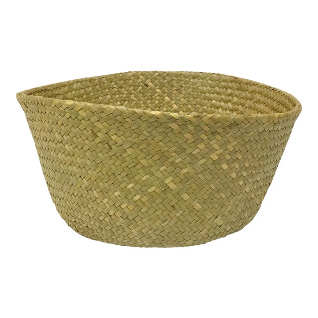 These collapsible straw baskets are super cool. Use them in your living space to hold a planter, or some magazines. Then...