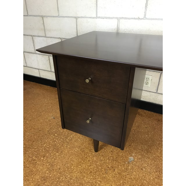 Mid-Century Modern Paul McCobb for Winchendon/Planner Group Refinished Desk For Sale - Image 3 of 10
