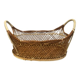 1960s Handwoven Wicker Rattan Brown and White Double Handled Oval Basket For Sale