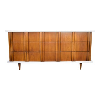 Vintage Mid-Century American of Martinsville Dresser For Sale
