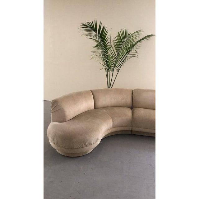 "1980s 1980s Vintage Vladimir Kagan Serpentine ""Cloud"" Sofa For Sale - Image 5 of 6"