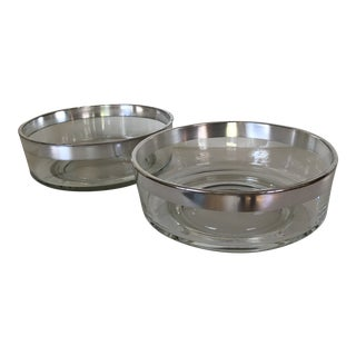 Dorothy Thorpe Pair of Mid-Century Silver Rim Serving Bowls - Set of 2 For Sale
