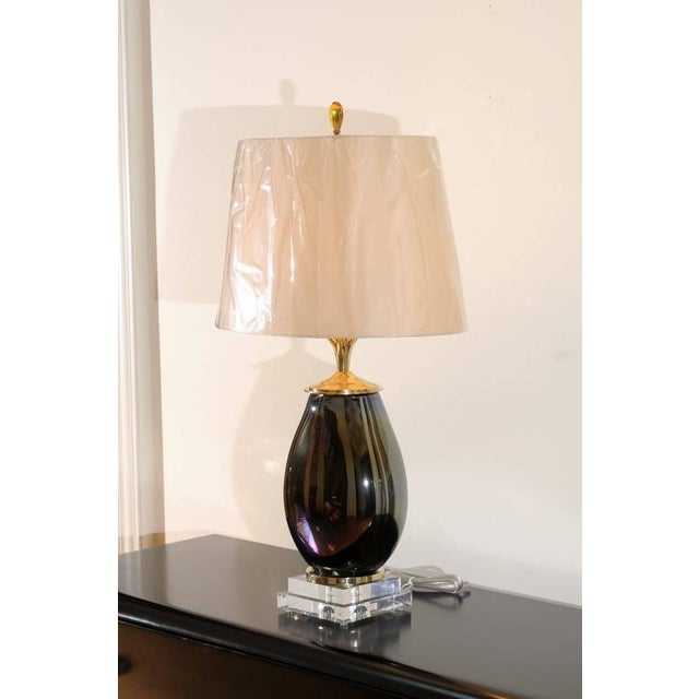 Mesmerizing Pair of Iridescent Blown Glass Lamps with Brass and Lucite Accents For Sale - Image 4 of 11