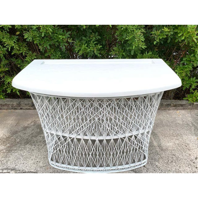 Plastic Russell Woodard Woven Fiberglass Bar and Two Stools For Sale - Image 7 of 12