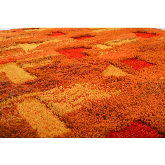 Abstract Orange and Yellow Op Pop Mod Woven Tapestry / Rug - 3′6″ × 5′5″ For Sale - Image 3 of 7