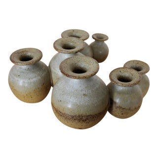 Nepstead Rothschild Barlo Studio Pottery Conjoined Bud Vase Daisy Chain For Sale