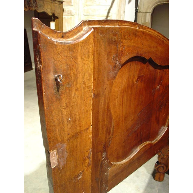 Exquisite 18th Century Walnut Wood Buffet Nimoise For Sale - Image 9 of 11