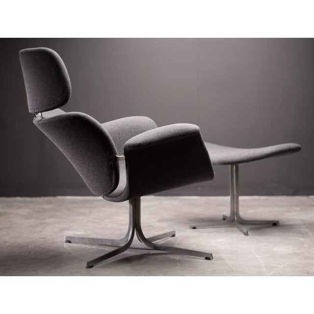 Artifort Pierre Paulin F545 Lounge Chair with Matching Footstool for Artifort For Sale - Image 4 of 9