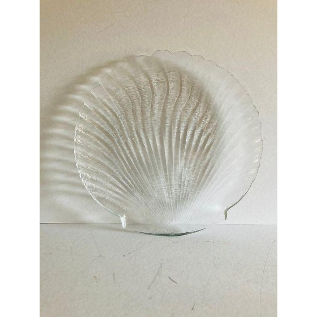 """Vintage 90's Clamshell Design Clear Glass Serving Plate / Platter, no makers mark in excellent condition 13""""D"""