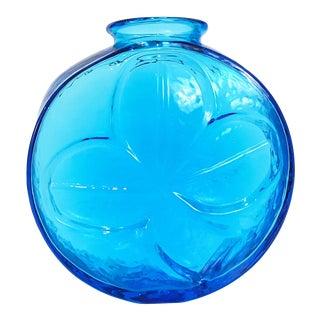 Mid-Century Modern Turquoise Blue Blenko Glass Shamrock Vase For Sale
