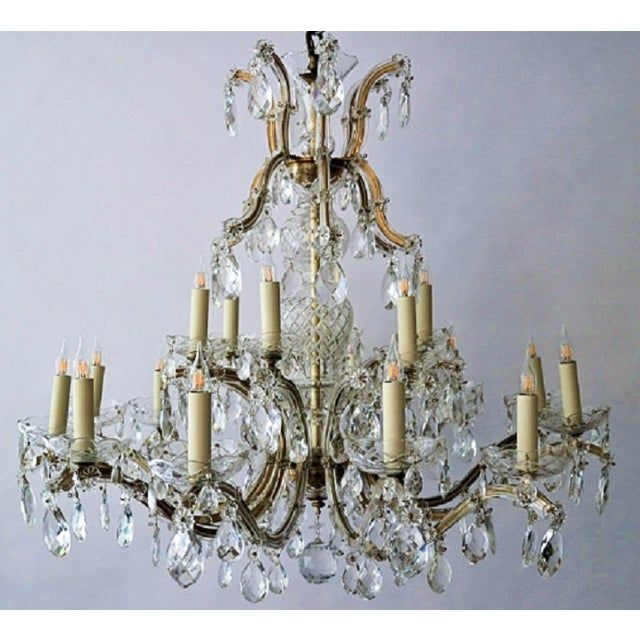 Circa 1900 Austrian Maria Theresa 18 Lite Chandelier For Sale In New Orleans - Image 6 of 6
