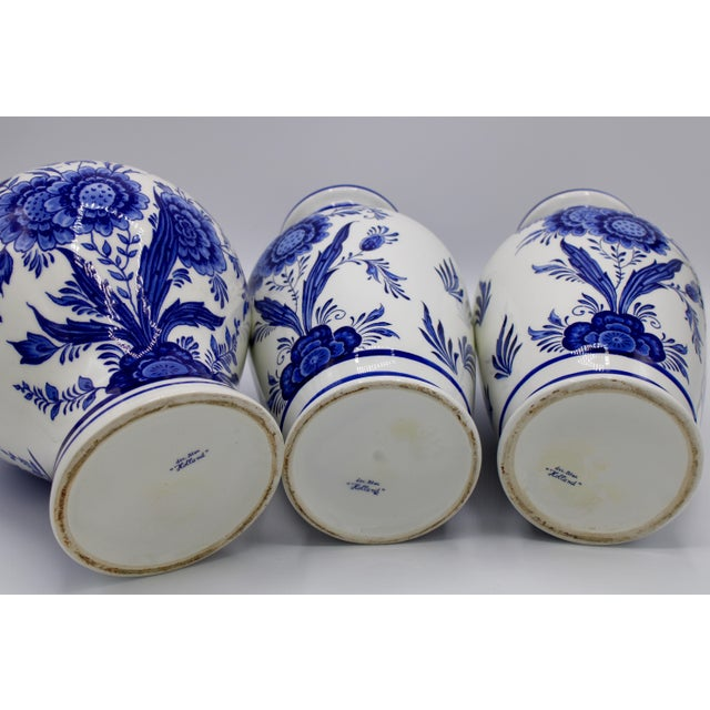 Mid-20th Century Blue and White Floral Dutch Delft Ginger Jar and Vase Set For Sale - Image 11 of 13
