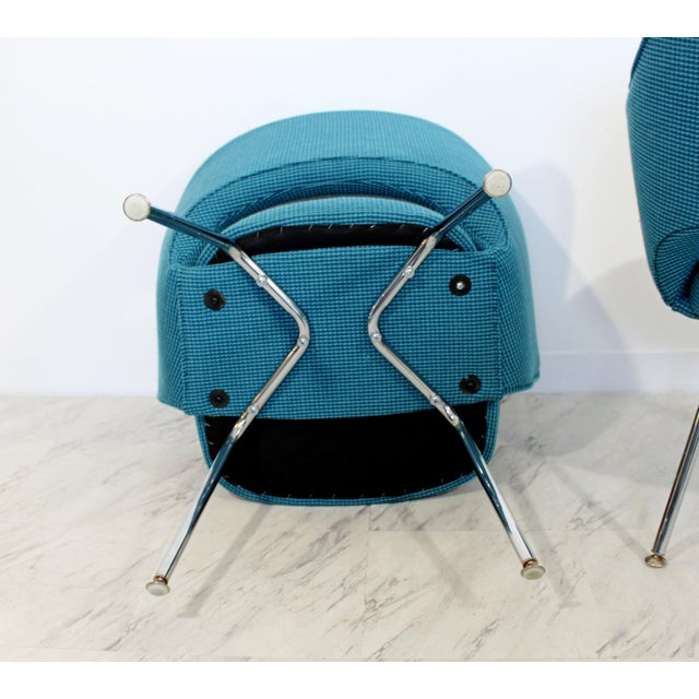 Mid Century Modern Saarinen Knoll Sculptural Executive Office Chairs 1960s - A Pair For Sale In Detroit - Image 6 of 7