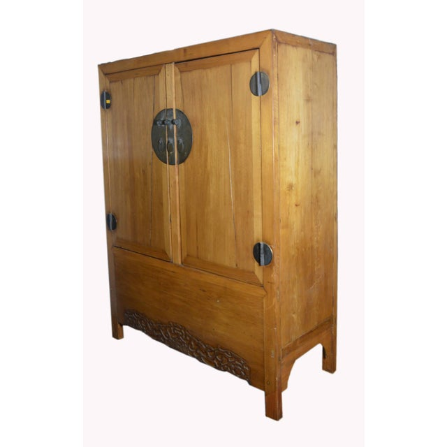 Antique Chinese Lacquered Cabinet With Doors, Drawers and Brass Hardware For Sale In New York - Image 6 of 9