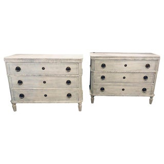 Pair of Large Swedish Paint Decorated 3-Drawer Commodes Nightstands For Sale