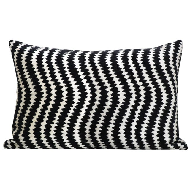 Pair of custom-made pillows in Ziggy Velvet in the Noir colorway. Coordinating solid Black velvet reverse. Meticulously...