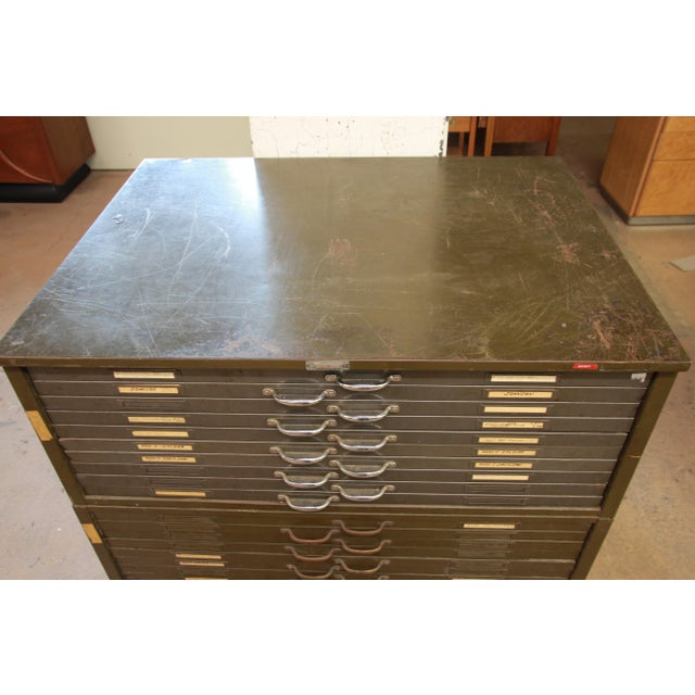 Vintage Industrial Metal 20-Drawer Blueprint Flat File by Hamilton Manufacturing Co. For Sale - Image 4 of 10