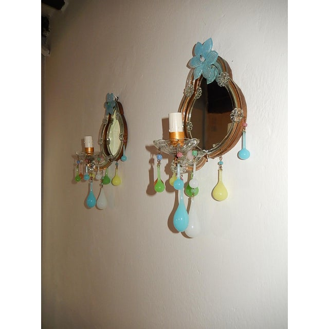 1920s French Multicolored Opaline Murano Glass Mirrored Sconces For Sale - Image 5 of 13