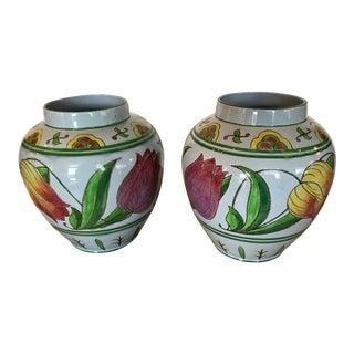 English Tulip Decorated Cachepots/Jardinieres - a Pair For Sale