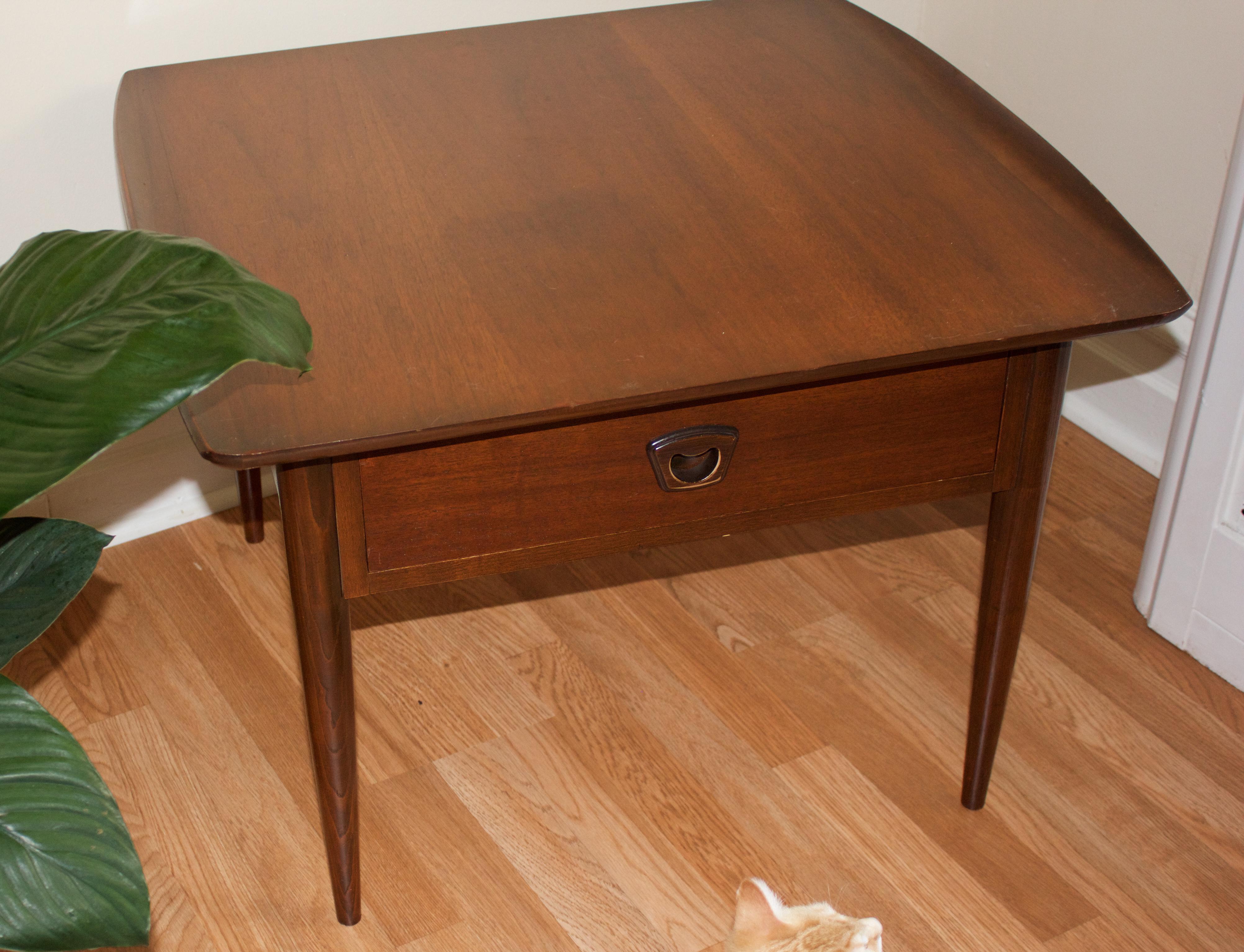 Bassett Furniture Walnut Mid Century Modern Table   Image 6 Of 10