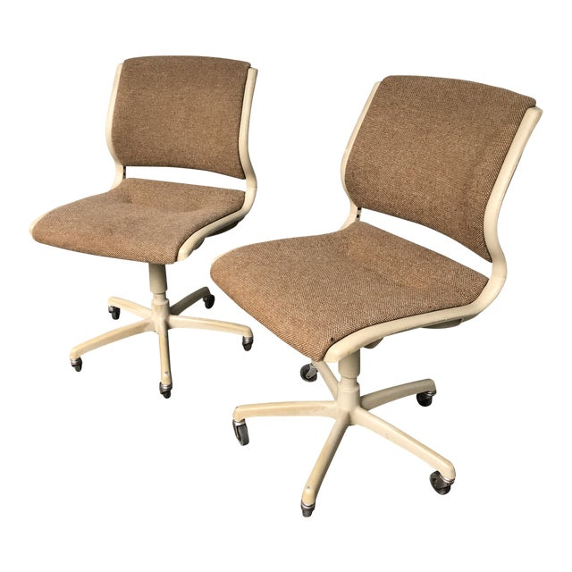 Vintage Steel Case Knoll Inspired Teed Chairs a Pair For Sale