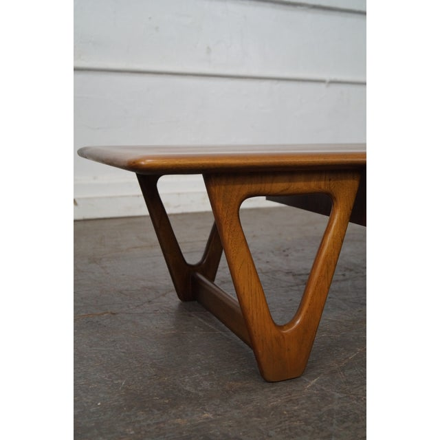 """Lane """"Perspective"""" Mid-Century Walnut V Base Coffee Table For Sale - Image 5 of 10"""