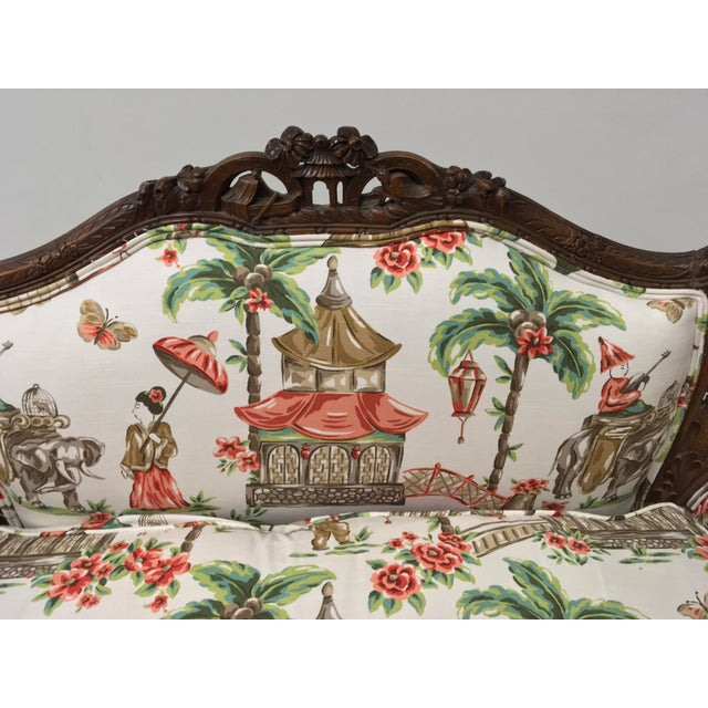 1930s Chinoiserie Carved Pagoda Settee - Image 4 of 9