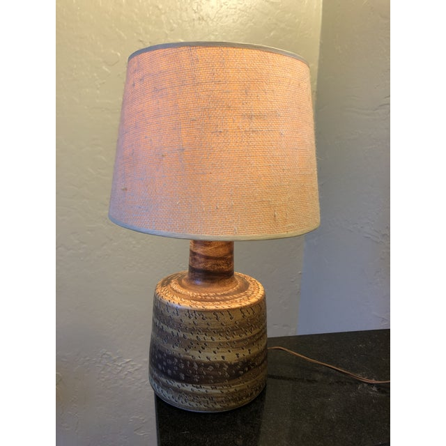 Brown 1960s Gordon and Jane Martz Studio Lamp With Original Shade For Sale - Image 8 of 11
