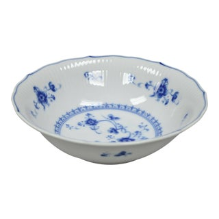 Vintage Victoria Blue 7050 Round Vegetable Bowl by Sigma For Sale