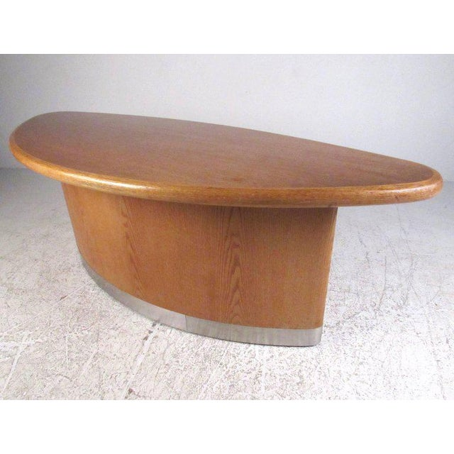 Scandinavian Modern Teak Centre Table For Sale In New York - Image 6 of 11