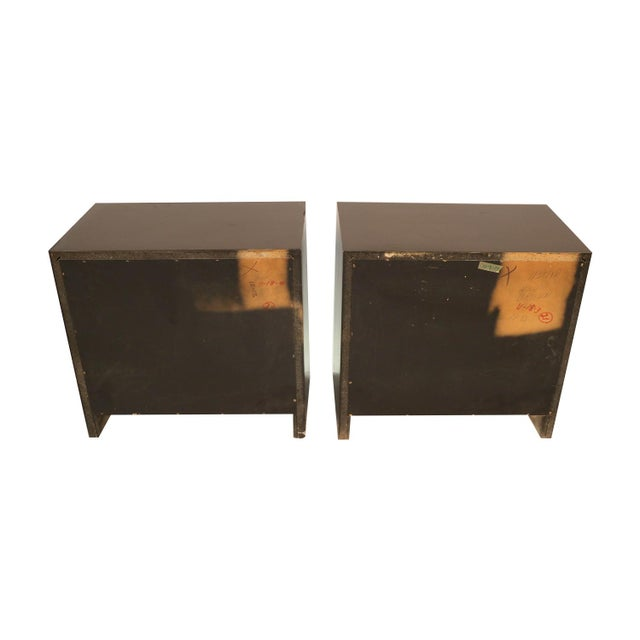 1970s Pair Mid Century Milo Baughman Style Burl Nightstands Tables For Sale - Image 5 of 11