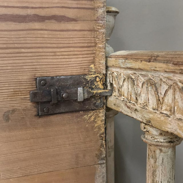 Late 18th Century 18th Century Swedish Gustavian Period Day Bed ~ Hall Bench Ca. 1790 For Sale - Image 5 of 13