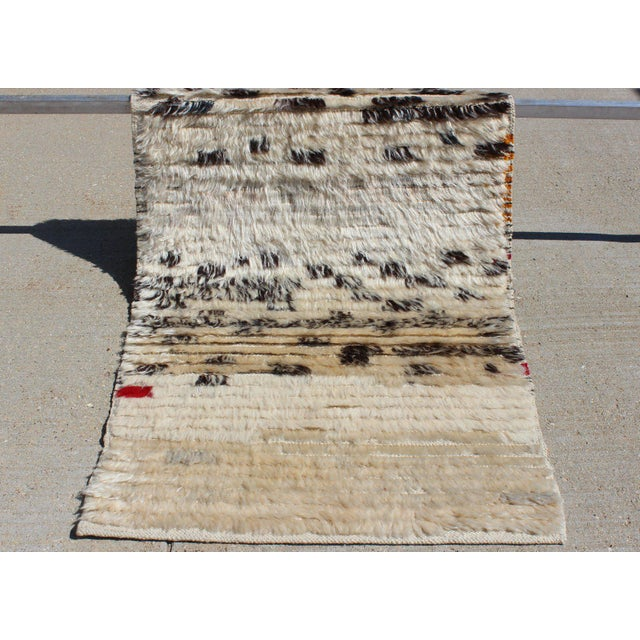Abstract Contemporary New Cream and Black Rug - 2′1″ × 3′4″ For Sale - Image 3 of 7