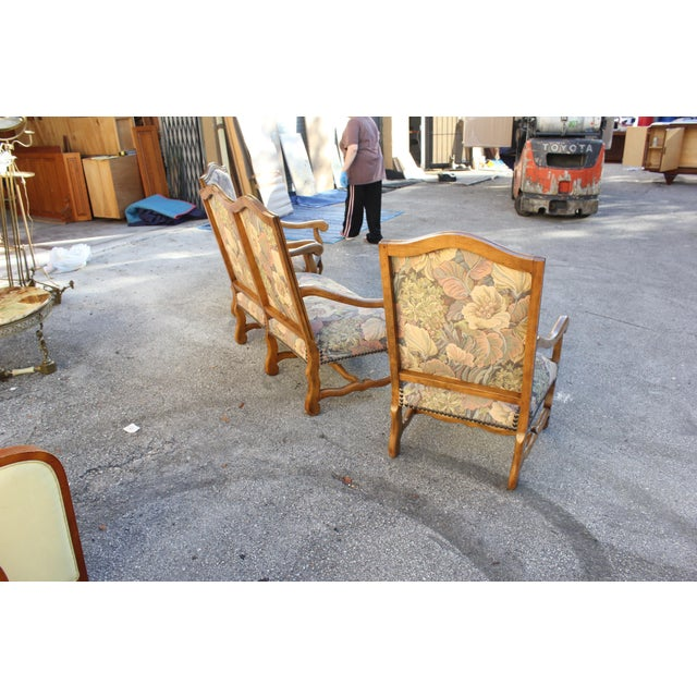 1900s Louis XIII Style Os De Mouton Walnut Settee and Armchairs - Set of 3 For Sale - Image 4 of 11