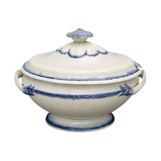 1820s Feather-Edge Creamware Soup Tureen For Sale