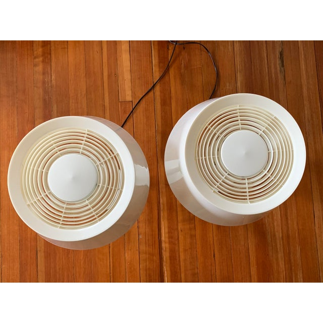 1960s Gerald Thurston Lightolier White Minimalist Enameled Steel & Plastic Table Lamps - a Pair For Sale - Image 11 of 12