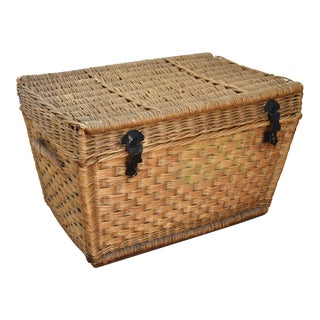 Early 1900s French Woven Wicker & Willow Travel Trunk Basket For Sale