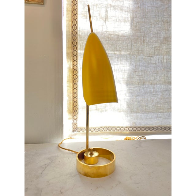 Mid-Century Modern Italian 1970s Enameled Adjustable Table Lamp For Sale - Image 3 of 10