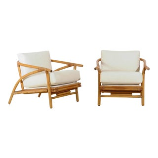 Stylish Pair of Modern Lounge Chairs by Ficks Reed