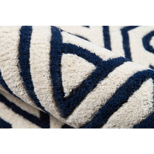 """Contemporary Momeni Delhi Hand Tufted Navy Wool Runner - 2'3"""" X 8' For Sale - Image 4 of 6"""