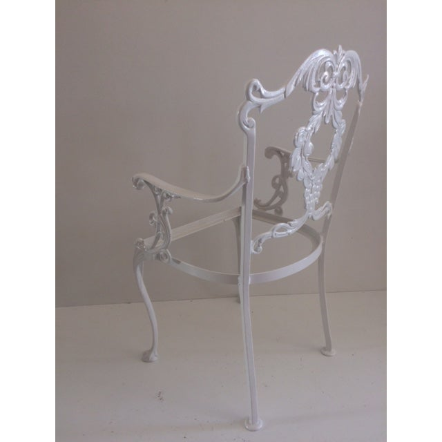 Awe Inspiring 1960S Hollywood Regency White Aluminum Patio Chair Download Free Architecture Designs Ogrambritishbridgeorg