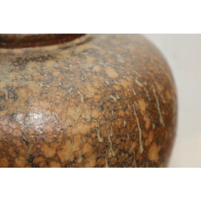 Brown Large Art Pottery Vase by Hiroshi Nakayama & Judy Glasser For Sale - Image 8 of 10