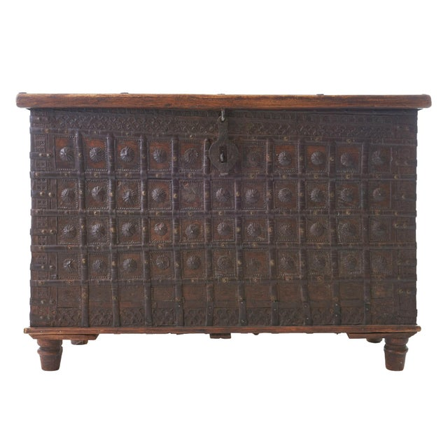 Mid 19th Century 19th Century Indian Dowry Chest For Sale - Image 5 of 5