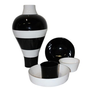 Black and White Stacked Serving Pieces - Set of 6 For Sale