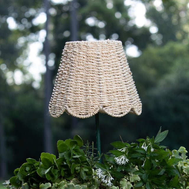 English Maison Maison Small Scalloped Lampshade in Ivory Twisted Seagrass For Sale - Image 3 of 3