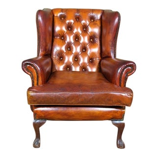 Early 20th Century English Leather Chesterfield Wingback Chair Tobacco Brown For Sale