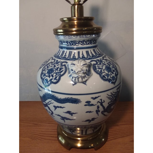 Paul Hanson 1960s Paul Hanson Blue & White Chinoiserie Dragon Porcelain Table Lamps - A Pair For Sale - Image 4 of 12