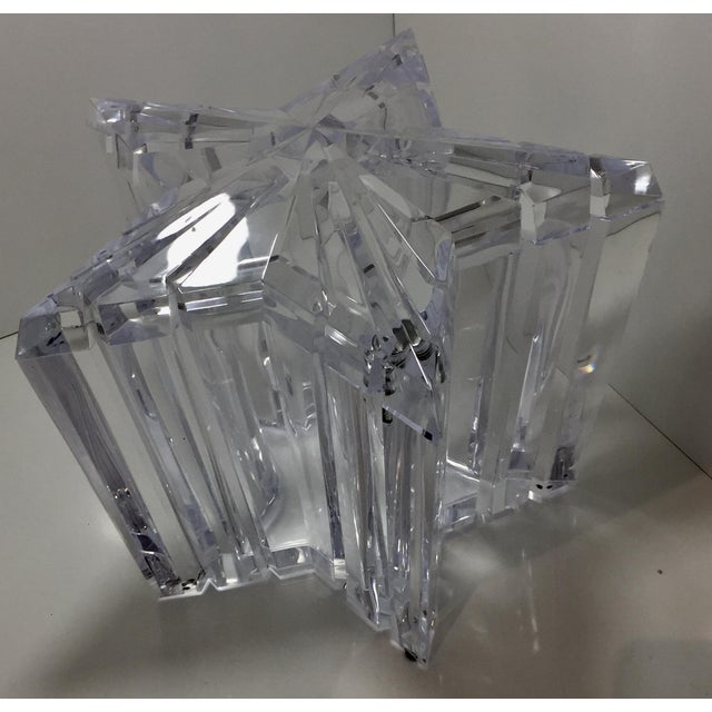 Alessandro Albrizzi 1970s Vintage Alessandro Albrizzi Lucite Star Ice Bucket For Sale - Image 4 of 11