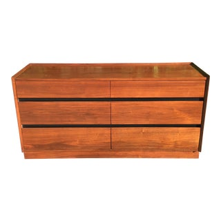 Mid Century Modern American Low Dresser by Dillingham Furniture For Sale